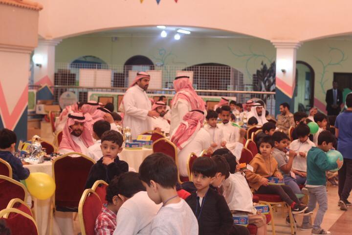 زيارة الاطفال لقسم الابتدائي بنين